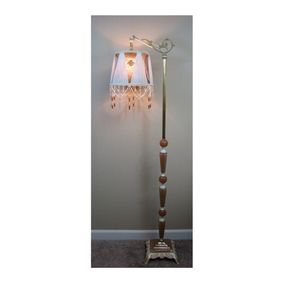 Vintage Floor Lamp with Victorian Lamp Shade - The Jewels of Tiffany   0414