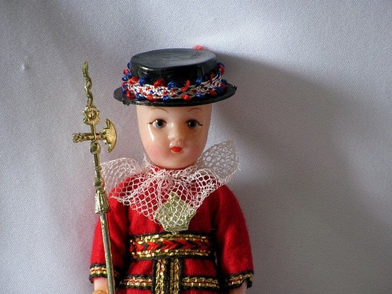 Beefeater England Tower of London Celluloid Plastic Doll in Uniform
