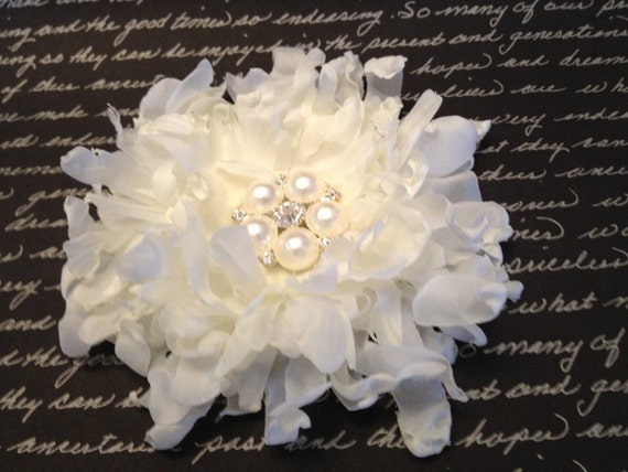 White Bridal Flower Clip, Wedding Hair Accessories, Flower Hair Clip, Fascinator Pearls Rhinestones Bride Headpiece