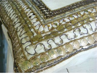 "Handmade  3D Sequins Antique Bordered Pillows Cover, Ivory Throw Pillows Cover Silk Pillow Covers, Square  20""x20"" - Ivory Treasure"