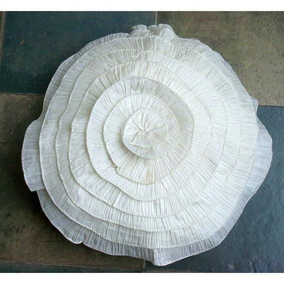 How To Make A Round Throw Pillow Cover : thehomecentric - Vintage Ruffles - Throw Pillow Covers - 20 Inches Round Silk Pillow Cover with ...
