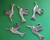 5 pcs Tibetan Silver Hummingbird Charms