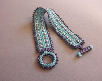 Delicas herringbone bracelet with swarovski pearls by Galeandra