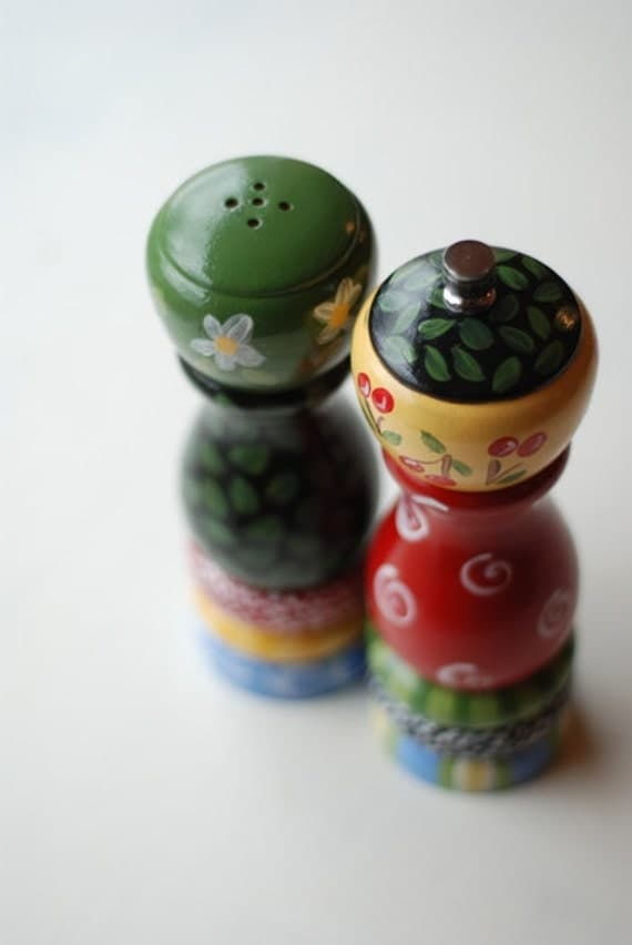 Multi colored salt and pepper shaker set by mimiware on etsy Colorful salt and pepper shakers