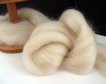 Ecru/Undyed/Natural Corriedale wool roving (combed top), spinning fiber - 4 ounces