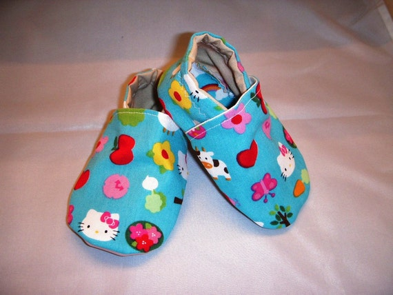 Hello Kitty Baby Eco Friendly Shoes  Cotton and lined with  pink faux leather sole 6 to 12 months  Sale READY to ship