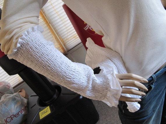 SALE - White Ruffled Armwarmers (406)