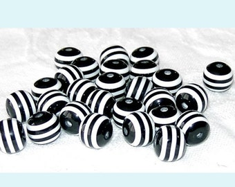 20 Pieces of 10mm Black and White Striped Acrylic Beads