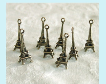 10 Pieces of Antiqued Brass Eiffel Towers  Pendant Charms