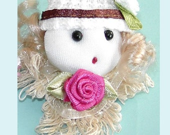 4 Mini Doll With Pink Rose