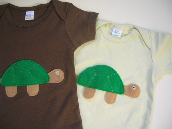 Clearance Sale Turtle Onesie in 6-12 Months in Chocolate Brown