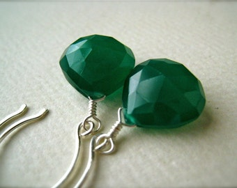 Stunnas Earrings - green onyx earrings, green onyx drop earrings, silver emerald green earrings, may birthstone earrings