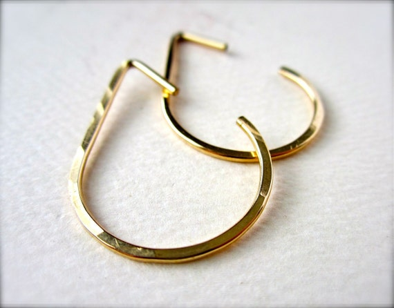 The Point Earrings - hammered gold hoop earrings, gold teardrop hoop earrings, modern hoop earrings, gold hoops, E04G