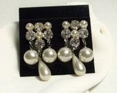 Vintage 1950s Rhinestone & Pearl Dangle Earrings / Screw back / Elegant Evening