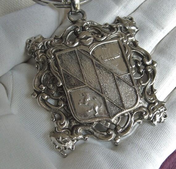 Vintage 60s Magnificent Shield Crest Regal Pendant Necklace & Chain