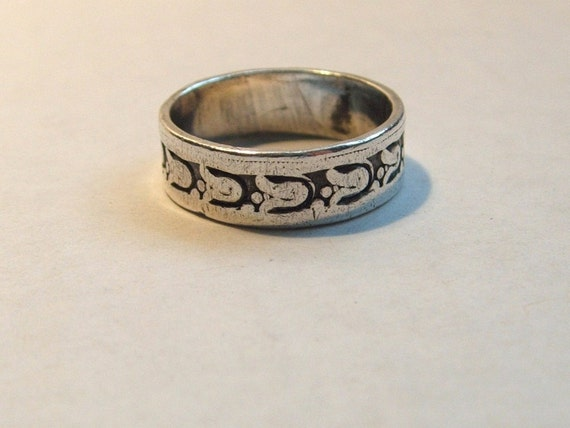 Vintage Sterling Silver Band Ring with Bells Pattern