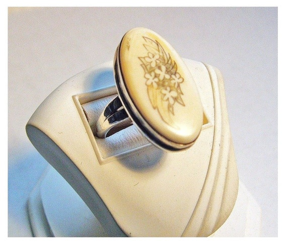 Vintage Sterling Scrimshaw Oval Ring Florals Signed