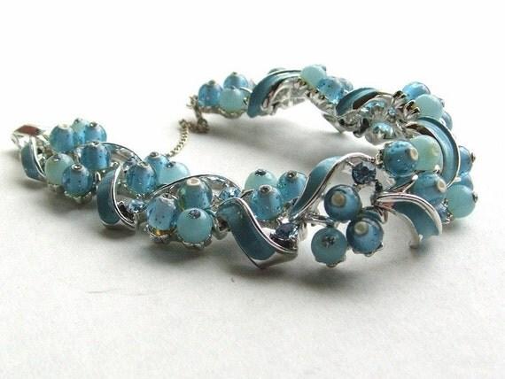 Vintage 50s Cluster Bracelet Signed STAR Powder Blue Beads & Rhinestones