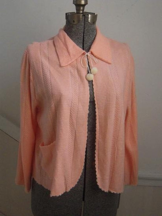 Reserved for: Rose Ann Bacher-Giallombardo Vintage Deco 1930s 1940s Peach Rayon Flocked Knit Geometrical Design Bedjacket Bed Jacket Large