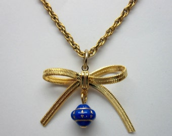 Gold Bow Necklace (226)