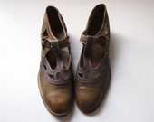 1920s Art Deco Blue and Green T-Strap Shoes with Cut Outs Approx Size 5.5 REDUCED