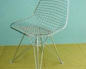 Mid Century Modern Eames Style Chrome Eiffel Base Mesh Chair