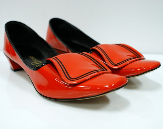 1960s Red and Black Mod Flat Shoes sz 7.5