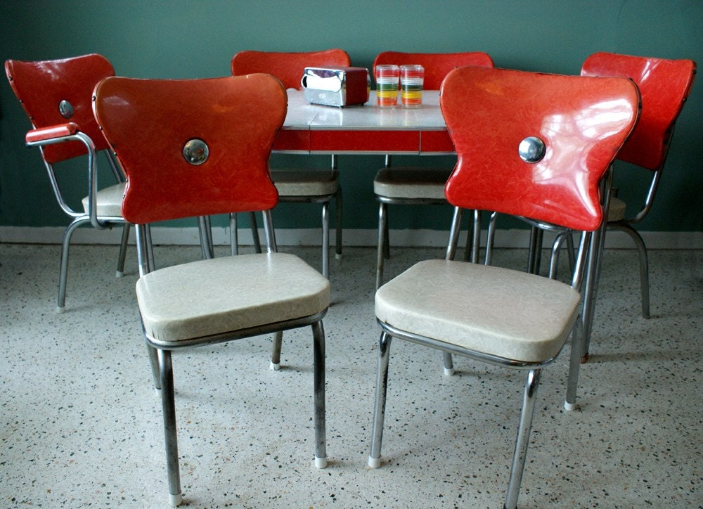 vintage 1950s red kitchen diner table set with 6 chairs. Black Bedroom Furniture Sets. Home Design Ideas
