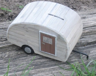 Coin Bank - The Little Old Trailer Bank (no. 4D)