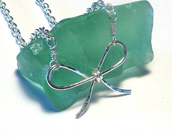 Silver Wire Bow Necklace