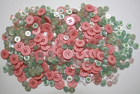 500 Vintage Button Lot -  Ocean Coral  Destash Great for Sewing Crafts Jewelry Scrapbooking
