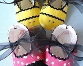 SALE - PDF ePATTERN - Precious Bumble Bee, Ladybug or Plain Booties with Ribbon Ties
