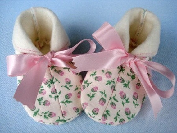 SALE - PDF ePattern Precious Baby Boot - Slipper with Ribbon Ties or Velcro Straps - Sewing Pattern