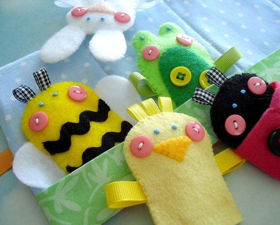 Felt Sewing Pattern - Spring Felt Finger Puppets Sewing Pattern - PDF ePATTERN for Chick, Bunny, Bumble Bee, Ladybug, Frog & Carrying Case