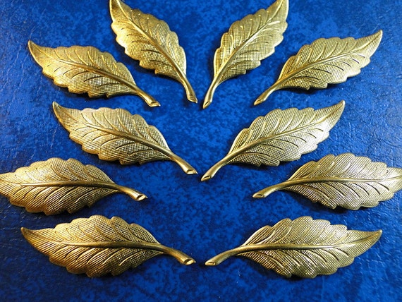 10 Thin Leaves in Stamped Brass 11/4 inch.