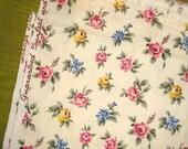 Beautiful Vintage Floral Yardage - Cottage Roses - Cotton