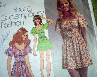 1970s Vintage Sewing Pattern -  Boho Hippie Flutter Sleeve Dress - Simplicity 9725 / Size 10 UNCUT