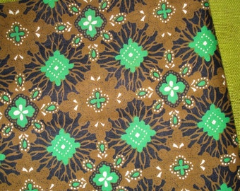 Vintage Cotton Fabric - 50s FLORAL Border Print - Caramel - Black - Kelly Green - 1 2/3 Yards