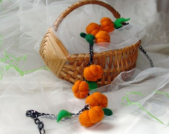 Pumpkins party - necklace or bracelet with felted pumpkins, Halloween gift idea