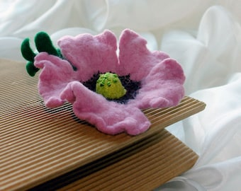 Poppy Flower Brooch - Wild poppy sing - Felted  Purple Poppy With Green Leaf Pin- Lilac Poppy