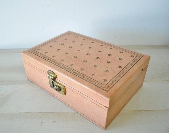 Vintage 1960s Shabby Chic Pink Jewelry Box