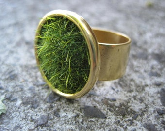 Lush Green Grass Round Gold Ring Wide Adjustable Band