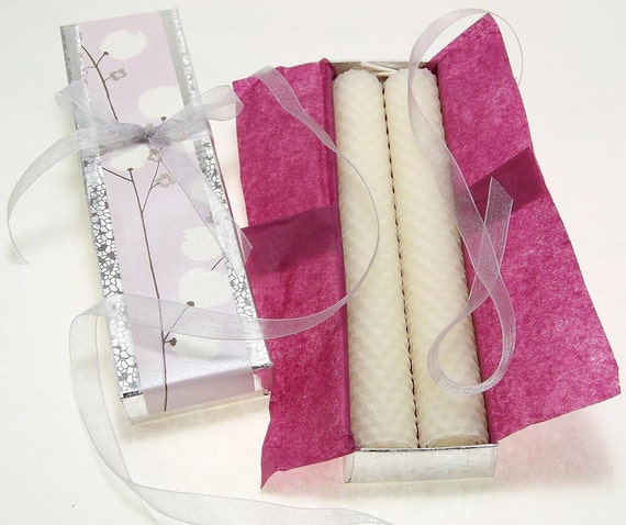 100% Beeswax Candles 2 Dinner Taper Candles Hand Rolled Pair Ivory White Gift Box Silver Mauve Lavender Candle Light