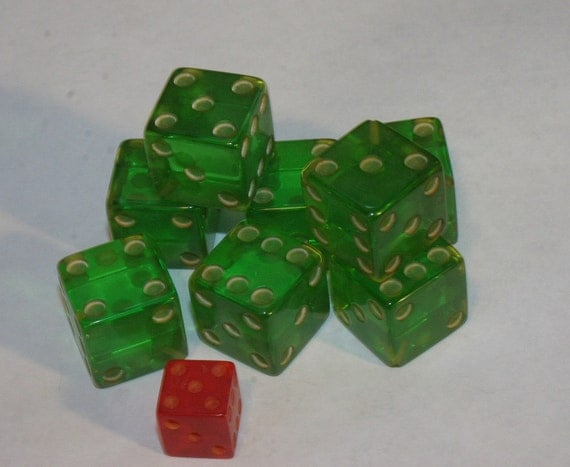 TEN Extra Large Vintage GREEN LUCITE DICE For Jewelry Making