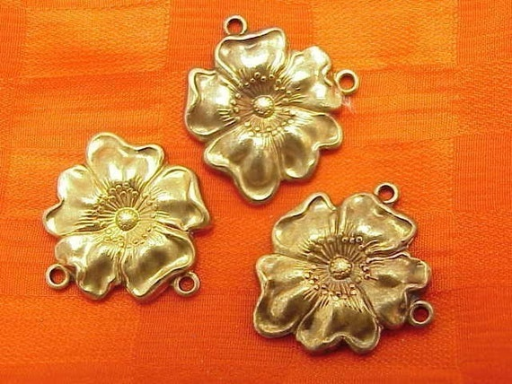 Brass stampings flower connectors brass jewelry pieces heritage roses flowers 4 PC LOTS