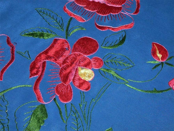 Sale - Women's Scarf From 40s - Embroidered Rayon