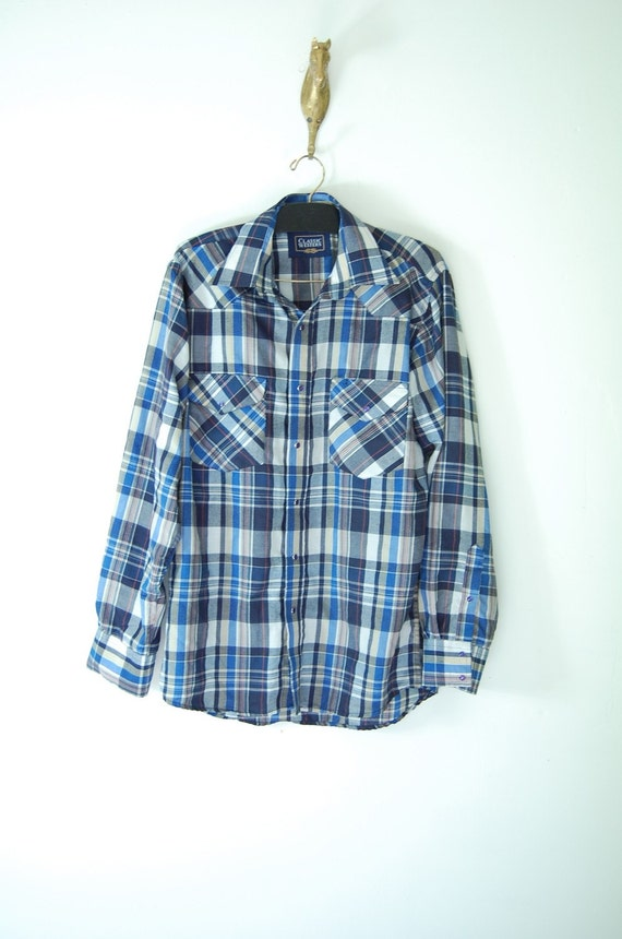 vintage mens plaid PEARL SNAP button down. light weight. medium