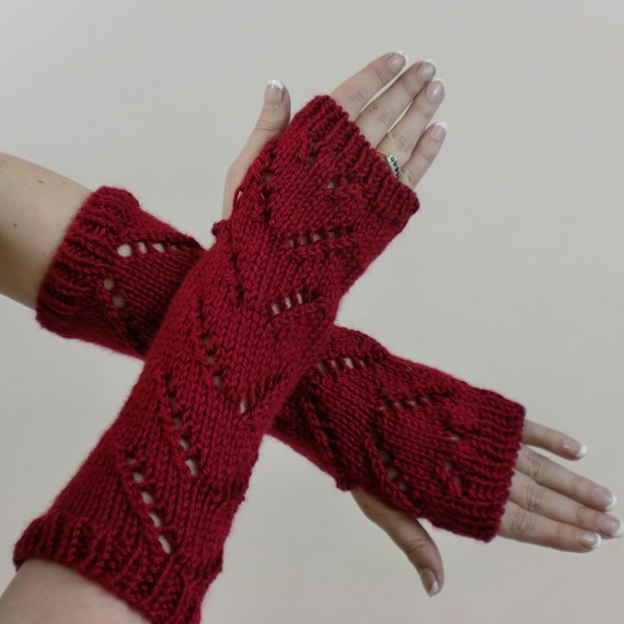 Knitting Pattern For Hobo Gloves : Fingerless Gloves Red Chevron Lace Fashion Texting Mitts