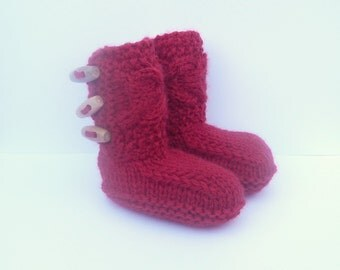 Knitting Pattern Baby Booties -  Tiny Toggle Baby Boots (Sizes for 0 - 12 mths)