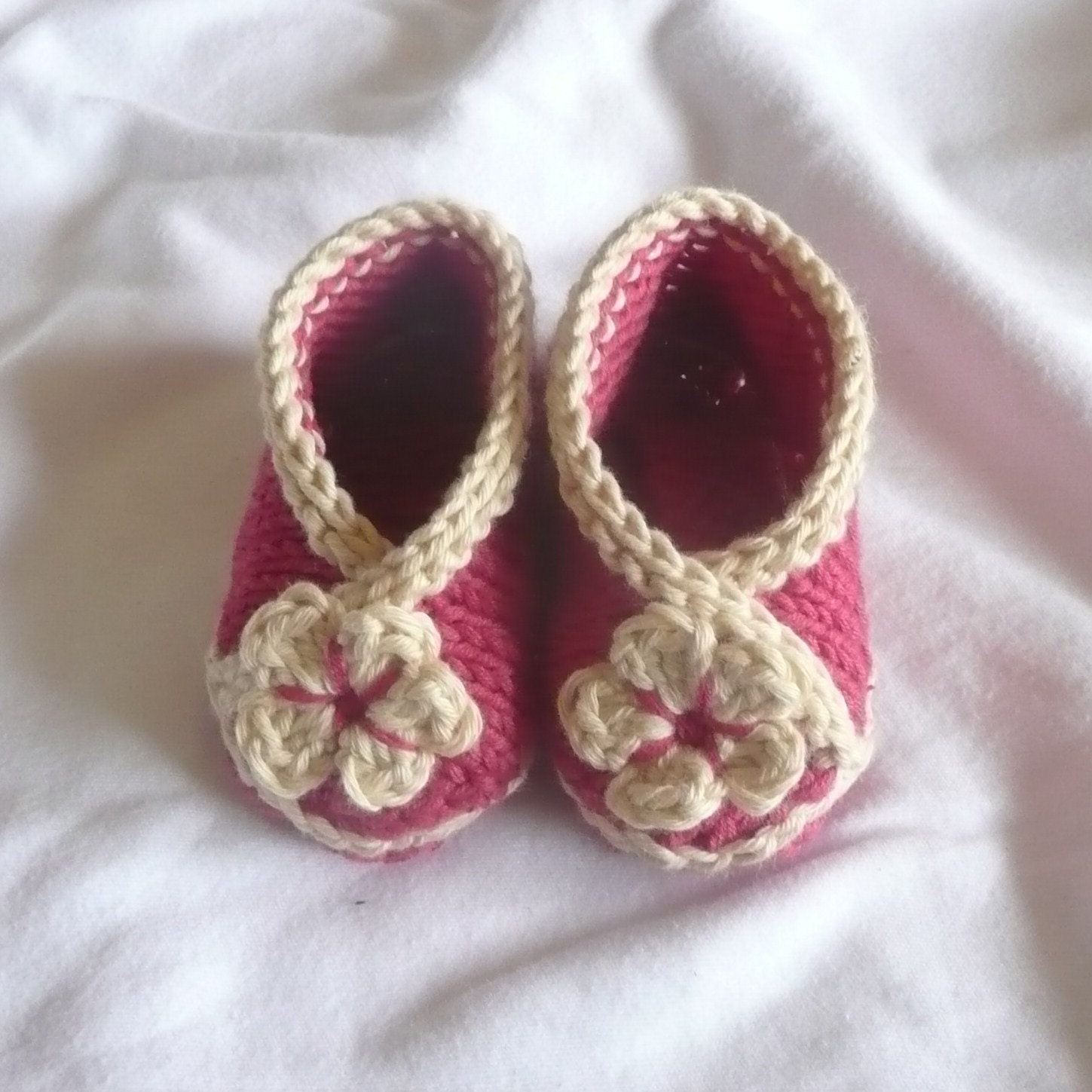 Baby Bootie Knitting Pattern : Knitting Pattern Baby Booties Baby Crossover Shoes 0 12